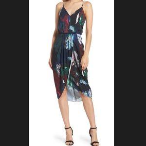 Chelsea 28 | Faux Wrap Tulip Dress ✨NWT